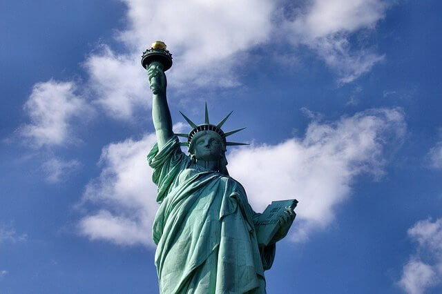 Photo of the Statue of Liberty | Easy American history questions and answers